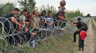 refugiados-Austria-asfixiados-camion-frigorifico_EDIIMA20150827_0306_19