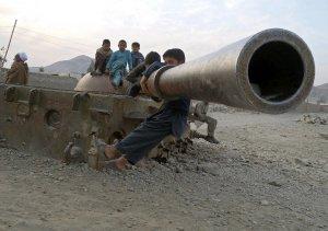 afghan-children-soviet-tank